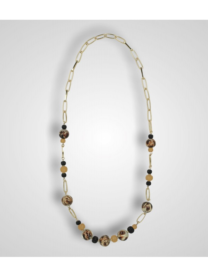 NECKLACE WITH SPOTTED PEARLS